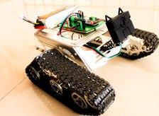 DIY Amazing Object Tracking Robot using Huskylens