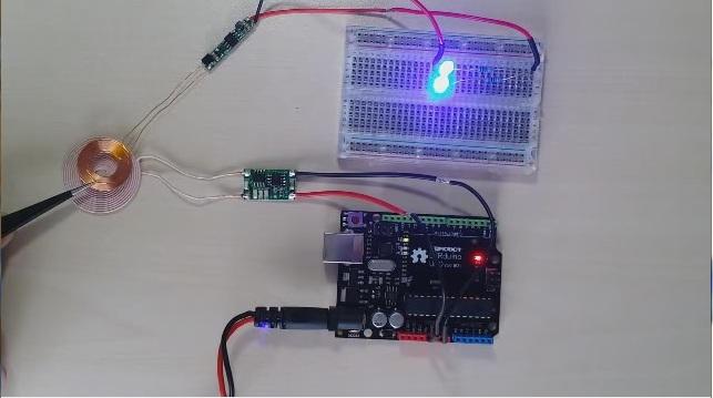 DFR0363 Wireless Charging Module 5V/300mA Application